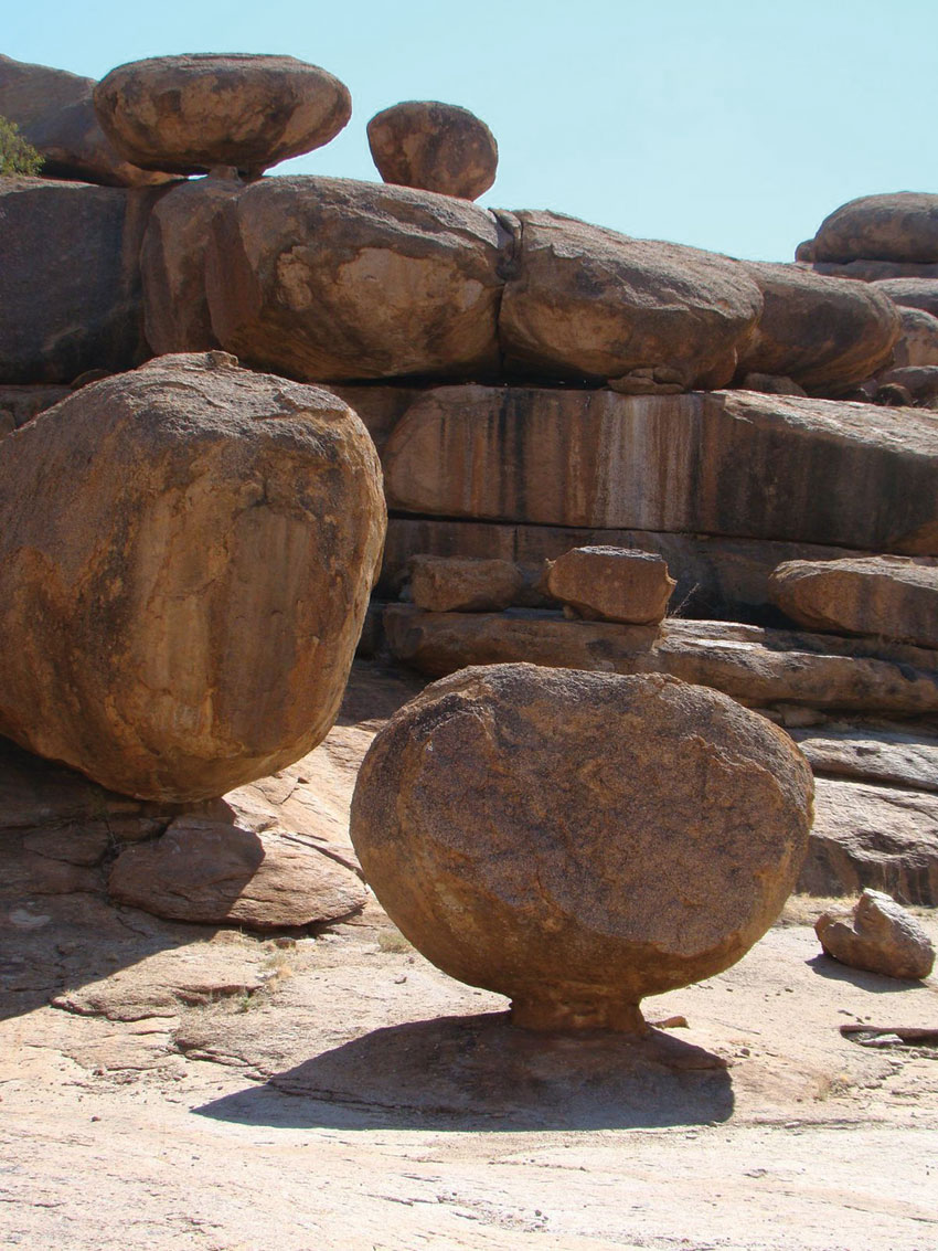 Arid-Eden route - rock formations on this route. PHOTO ©Open Africa
