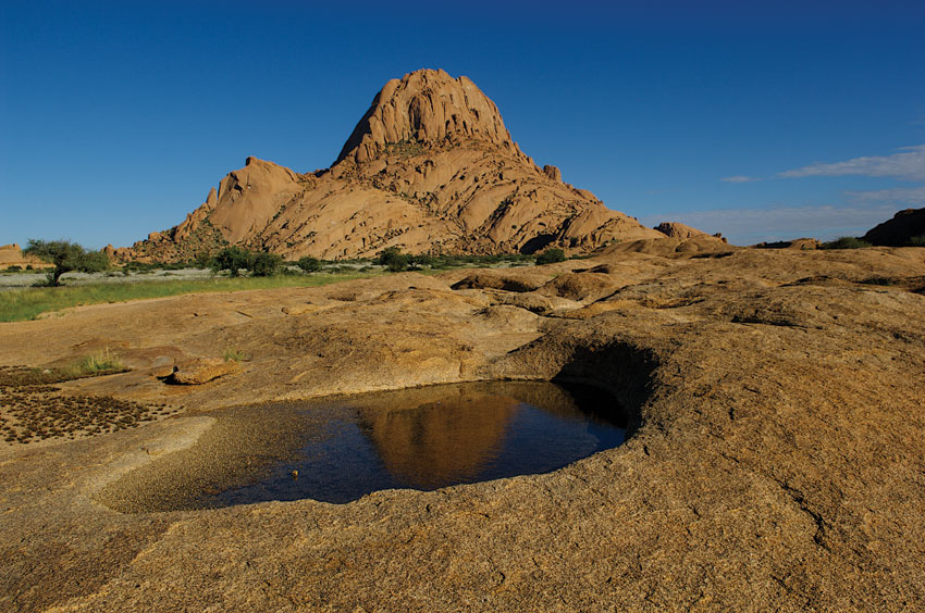Spitzkoppe. Arid-Eden route. PHOTO ©Open Africa