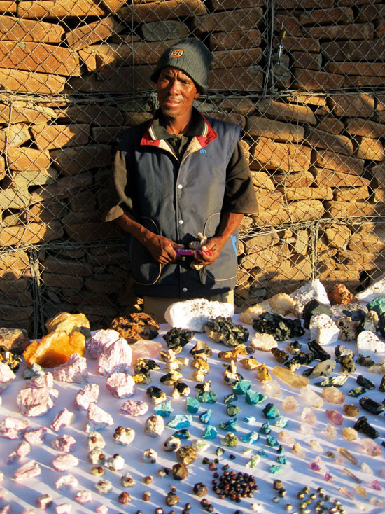 crystal-seller