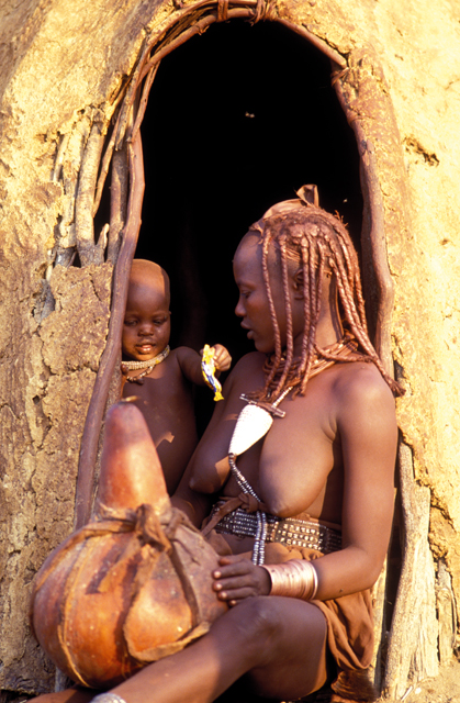 himba woman and child