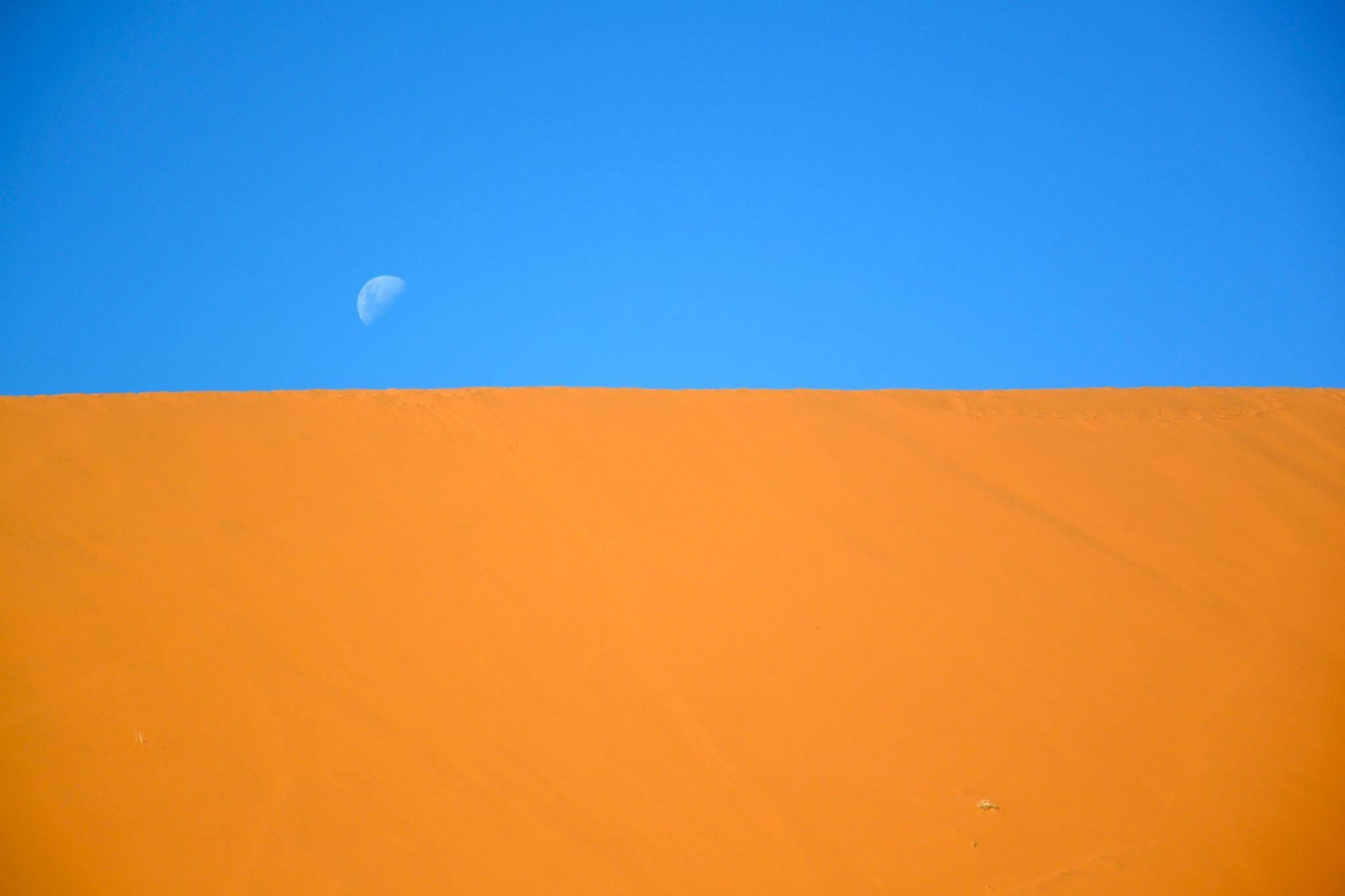 Moon above dune, Sossusvlei. Photo ©Thomas Blomme