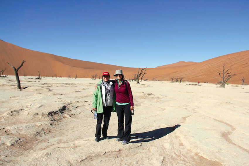 Natasha and her mom in Sossusvlei