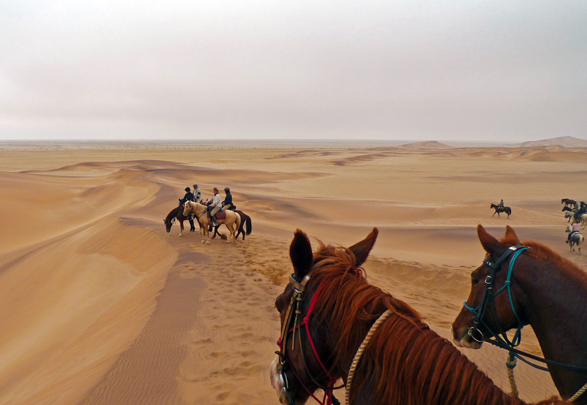 Riding on the edge of the dunes