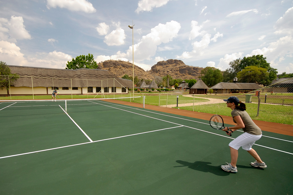 midgard-country-estate-tennis-1