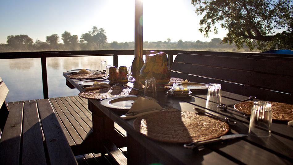 Ndhovu-Safari-Lodge-Resdest-Namibia-Kavango-Caprivi-Breakfast